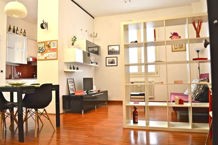 Casa di Cele&Dario-Bologna Centro
