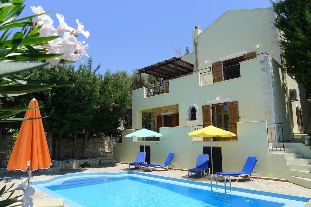 villa rodi sea mountain views with private pool. Black Bedroom Furniture Sets. Home Design Ideas
