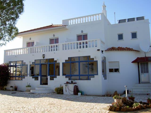 Algarve, Ribeira da Gafa, Quartos com boas vistas