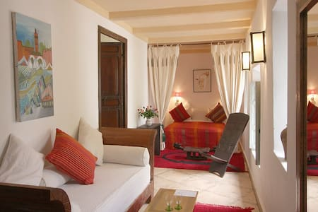 Dar Bounouar: Hammam e Vero Piscina - Marrakesh - Bed & Breakfast