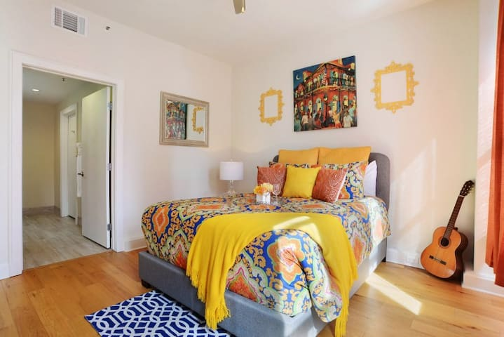 ★★ GORGEOUS DOWNTOWN FRENCH QUARTER CONDO!!! ★★
