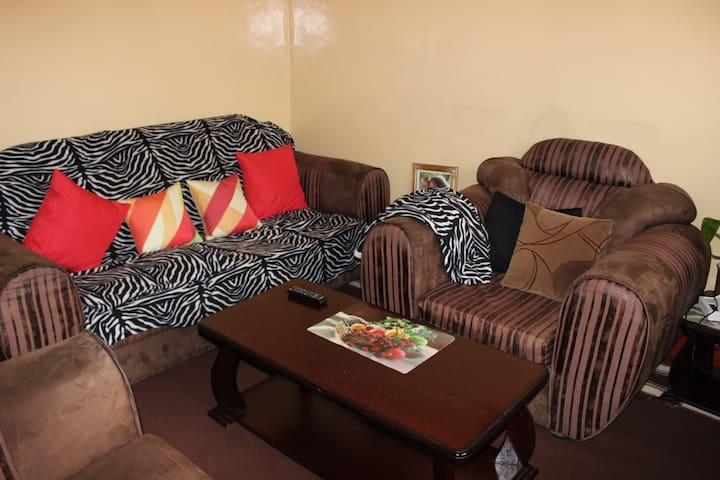 Cozy Safari Apt in Nairobi County Outskirts.