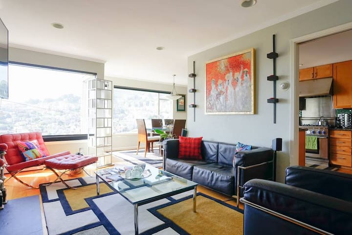 Castro / Corona Heights Charmer with a View (2 bd)