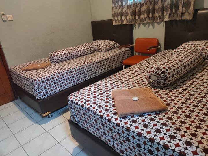 Homey Superior Twin at Hotel Prambanan Malioboro