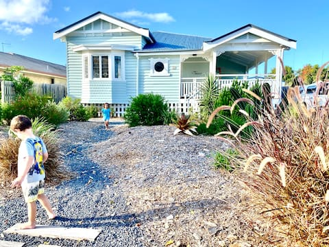 'The Nest' 3 bed house by the beach, pet friendly