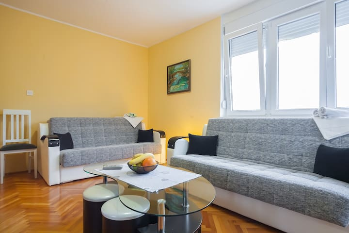 Comfortable apartment for family(6) - Herceg Novi - Apartmen