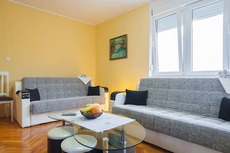 Comfortable apartment for family(6) - Herceg Novi - Daire