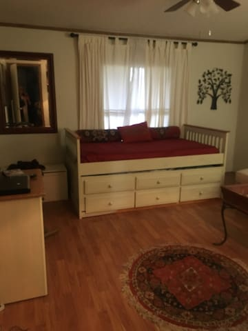 3rd bedroom with trundle bed