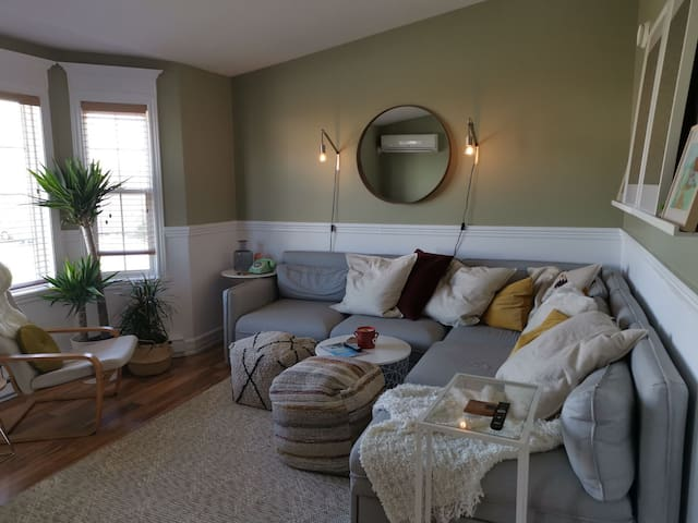 Bedroom in a Quiet Home by the Ocean (Bed 1)