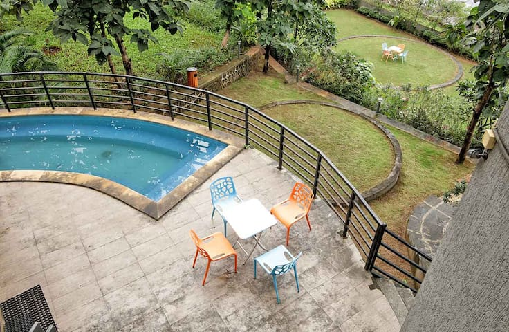 Magnum - 4 Bed Pool Villa in Karjat - Raigad - Villa
