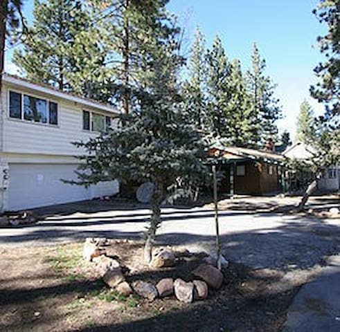 Big Bear Loft near lake and Snow Summit