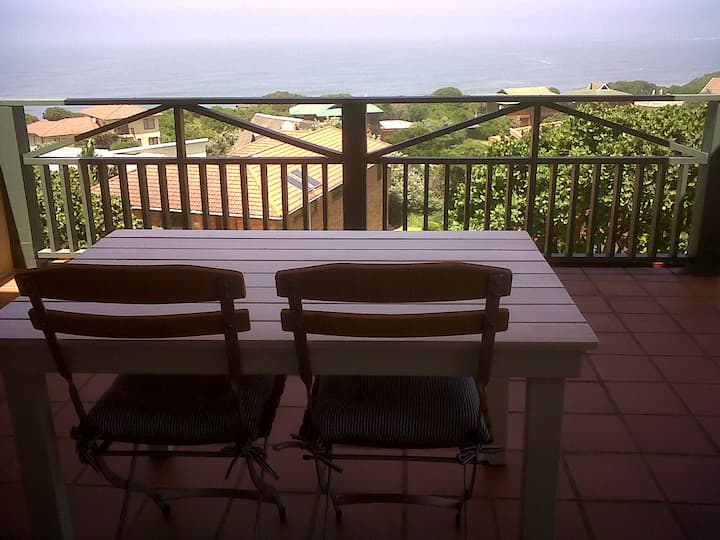 Number 3 Sheer Cliffs apartment in Brenton on sea