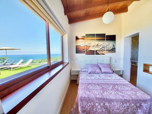 SEA VIEWS MAIN BEDROOM