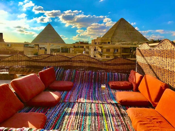 Pyramids paradise hotel