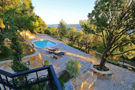 Traditional stone Villa with pool and sea view - Tribanj