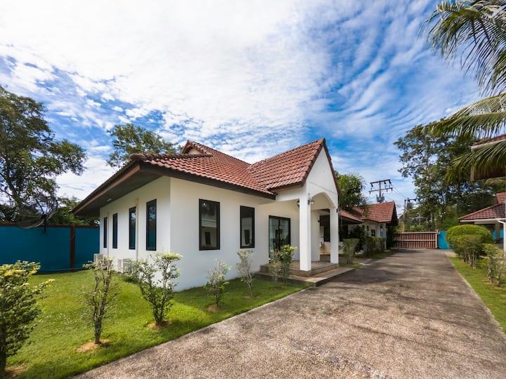 Bangtao Pool Villa