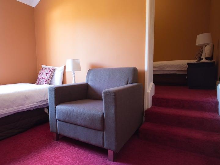 Twin Room at Hotel Blue, Katoomba