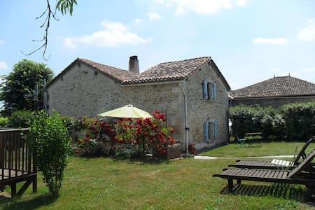 Le Tilleuil, Combiers, Charente - Combiers