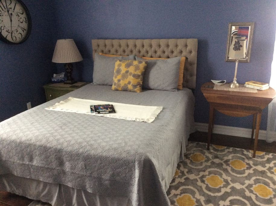 Master guest suite with queen size bed.