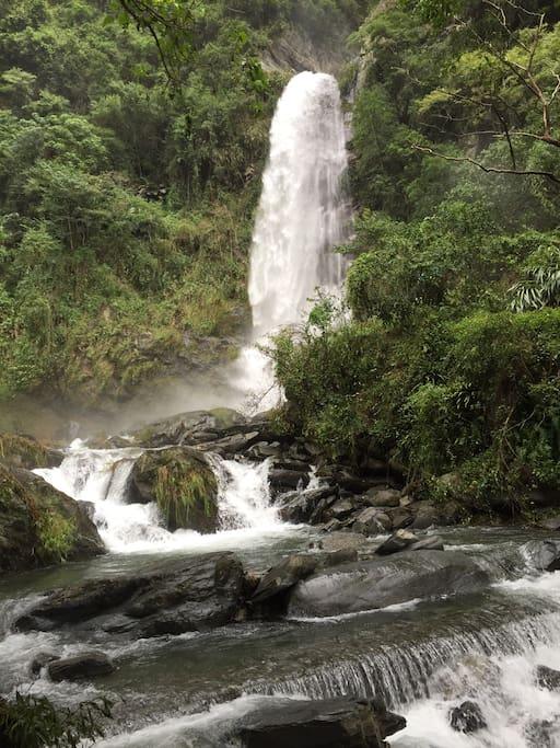 近 南安瀑布 瓦拉米步道