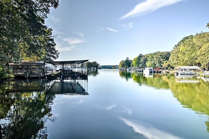 Quiet Hot Springs Home w/ Dock on Lake Hamilton!