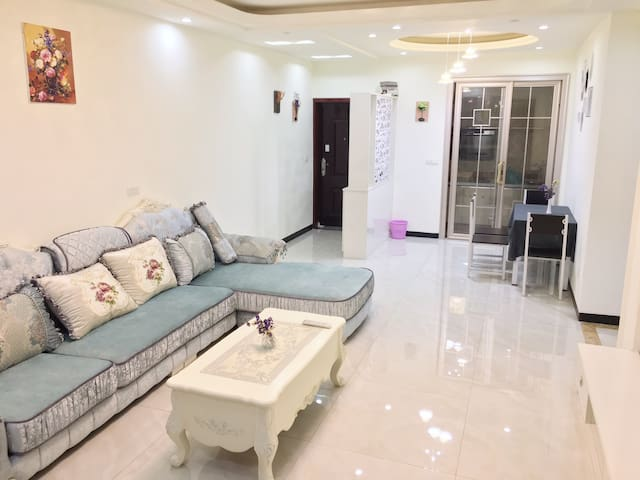 滨江路欧式轻奢三室新居近思源广场