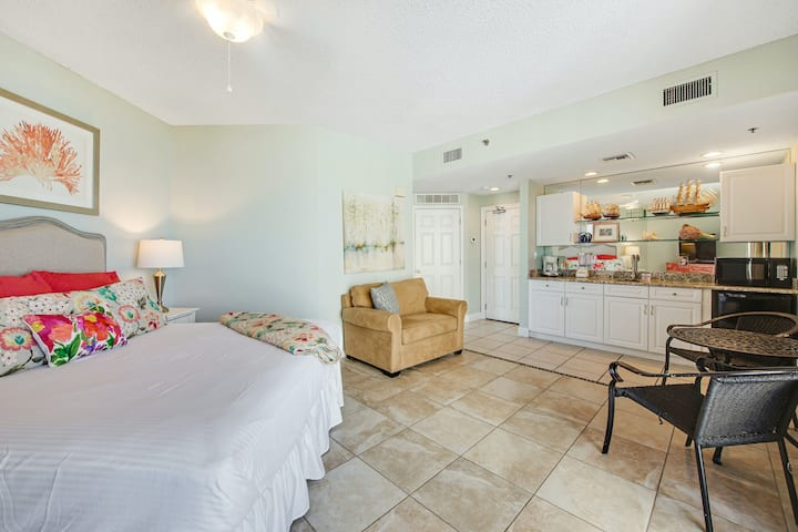 Close to the beach with a shared hot tub and pool!