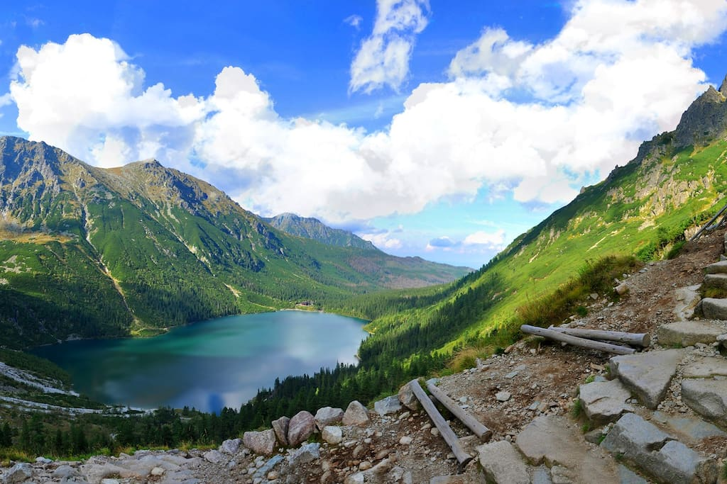 Catch the bus to Morskie Oko from nearby the apartment.