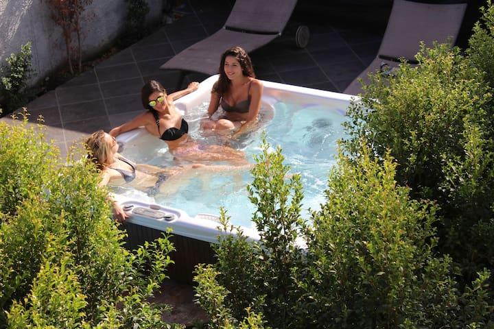 Villa Olea-Luxurious Living, Premier Hospitality