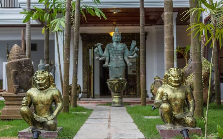 Travellerhome Deluxe Room Private in Siem Reap