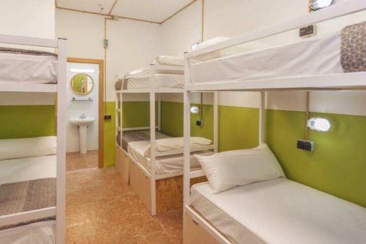 Room for 6 in Lloret