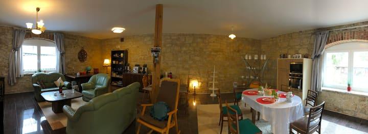 Modernes Loft/Küche/Lounge/Terrasse/2 Schlafz.