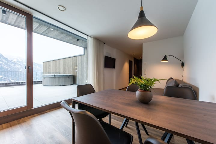 Penthouse with large roof terrace and whirlpool