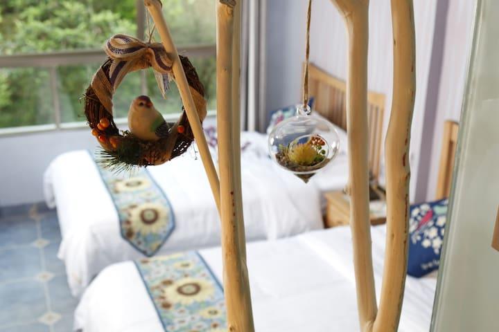归然精品双床房   来归然,享受大自然!睡觉也在大自然里呼吸!
