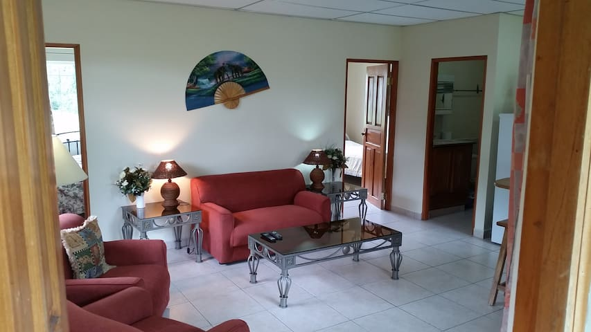 Las Plumas Holiday Home Rentals - cottage TANAGER