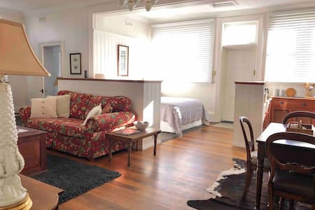 Miss Moyes Heritage Apartment@ The Old Post Office