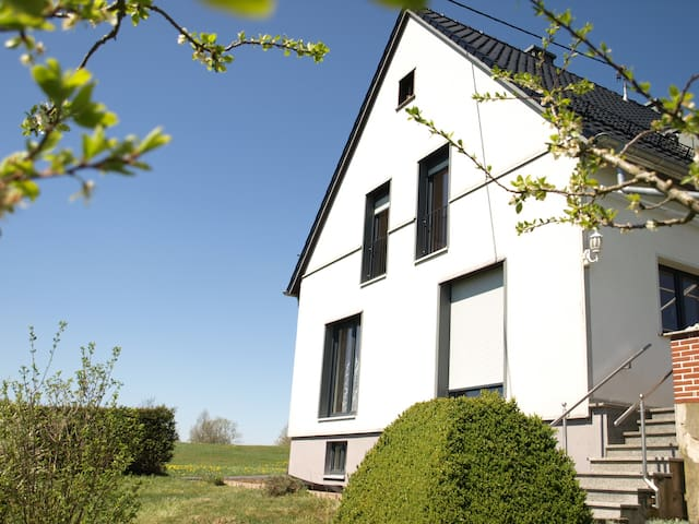 Wohnung mit Fernblick in der Eifel, Nürburgring