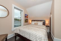 Enjoy a great nights rest in this Restwell queen size bed