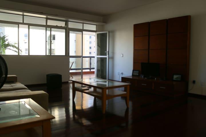 Amplo e bem localizado - Fortaleza - Apartamento
