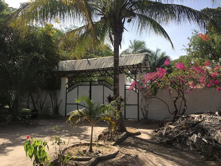 Karamba Apartment - peaceful retreat in orchard
