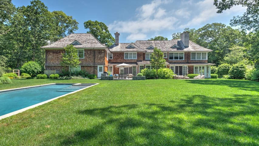 NEW LISTING: Estate-style home, close to town and beaches, heated pool, sauna, fire pit, outdoor living room