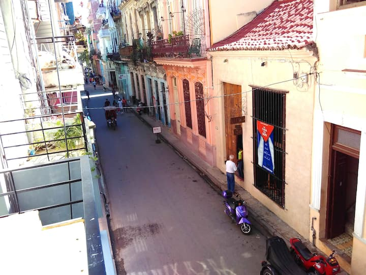 Havana's Real Llanes