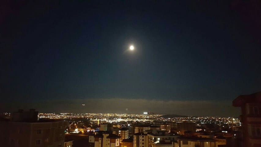 Watch city lights by the SAW AIRPORT - istanbul pendik kurtköy - Apartemen