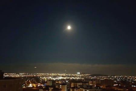 Watch city lights by the SAW AIRPORT - istanbul pendik kurtköy - Wohnung