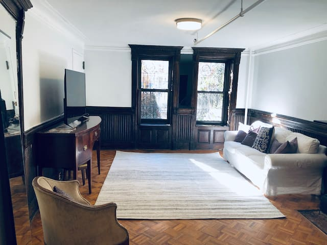Studio with Historic Charm in South Harlem