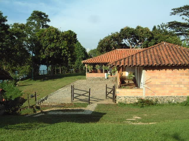 Casa de campo cerca a Medellín - Fredonia - House