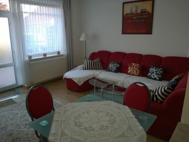 Nette zweckmäßige Wohnung 6KM von der Nordsee - Großheide - Apartment