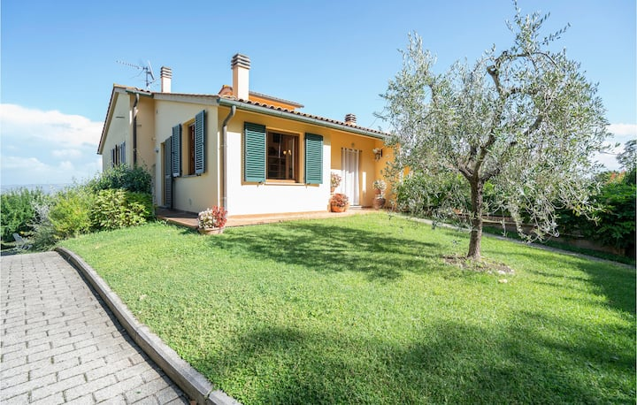 Nice home in Lajatico -PI- with WiFi and 3 Bedrooms