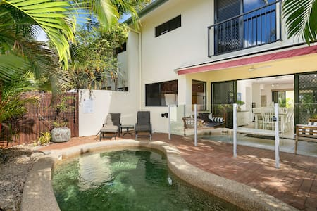 3 Bedroom Home With Pool - Sleeps 8