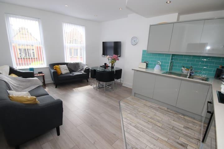 Picton Executive Apartment - luxury 4-bedroom flat